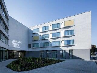 Der von Wulf Architekten geplante Neubau für das Jakob-Sigle-Heim ersetzt den in die Jahre gekommenen Vorgängerbau aus den 60er-Jahren in Kornwestheim.