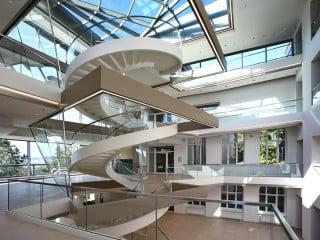 In einer ehemaligen Lungenheilanstalt in Melsungen hat das Pharma- und Medizinbedarfs-Unternehmen B. Braun seinen Firmensitz
