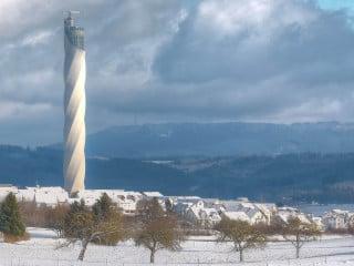 In Rottweil in Baden Württemberg errichteten Werner Sobek und Helmut Jahn für die thyssenkrupp Elevator AG einen 246 Meter hohen Aufzugstestturm