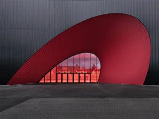 Marte.Marte Architekten entwarfen den auffälligen Neubau mit den Hallen 9 bis 12 für die Messe Dornbirn