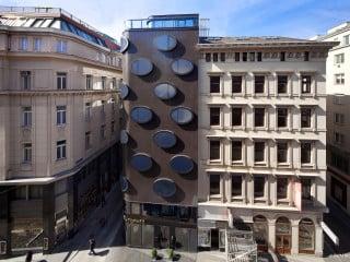 Das von BWM Architekten geplante Hotel Topazz entstand auf einem nur 153 Quadratmeter großen Eckgrundstück mitten in Wien.