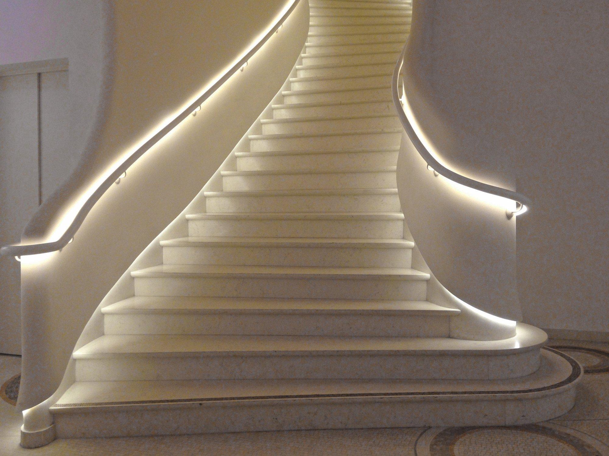 arbeitsplatzbeleuchtung licht beleuchtungsarten baunetz wissen. Black Bedroom Furniture Sets. Home Design Ideas