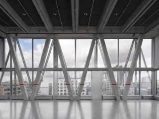 Das neue Verlagsgebäude der taz wurde vom Züricher Architekturbüro E2A Piet Eckert und Wim Eckert entworfen.
