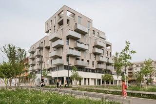 Wohnen und Arbeiten unter einem Dach: Das Haus am Park bietet zwei Etagen für Büros und sechs für Wohnungen.