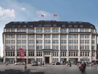 Gleich neben dem Hamburger Hauptbahnhof befindet sich das Bieberhaus, das noch vor Anbeginn des Ersten Weltkriegs nach Pläne der Architekten Johann Gottlieb Rambatz und Wilhelm Jollasse errichtet wurde.