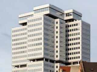Eine Architekturikone der 1970er-Jahre ist das Hochhaus der Deutschen Rentenversicherung am Berliner Hohenzollerndamm von Hans Schäfers.