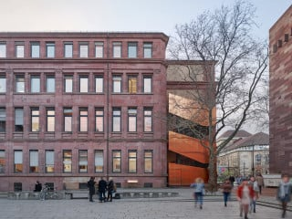 Das Kollegiengebäude I der Albert-Ludwigs-Universität Freiburg wird derzeit durch das Büro Kuhn und Lehmann saniert. Besonderer Augenmerk galt dabei dem Brandschutz.