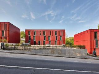 In unmitelbarer Nähe zur Universität Wuppertal entstanden nach Plänen von ACMS Architekten 132 Wohnheimplätze für Studierende.
