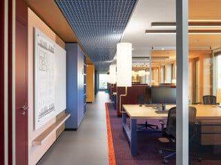 Zwei Geschosse und etwa 850 Quadratmeter nimmt das Büro des Immobilienunternehmens Schöller SI in Reutlingen ein.