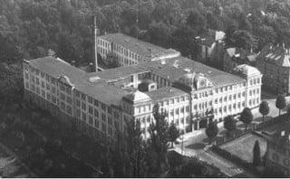 Altes Dokumentationsfoto der Schuhfabrik