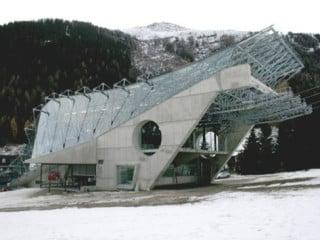 Die Talstation im Bau