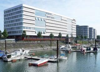 Arbeit mit Ausblick: die Firmenzentrale im Duisburger Innenhafen.