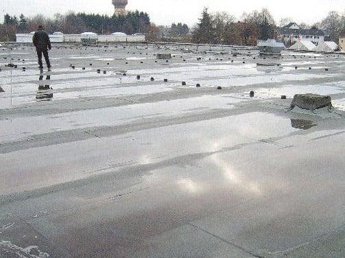 Gut gemocht Stehendes Wasser | Flachdach | Schäden/Sanierung | Baunetz_Wissen MU89