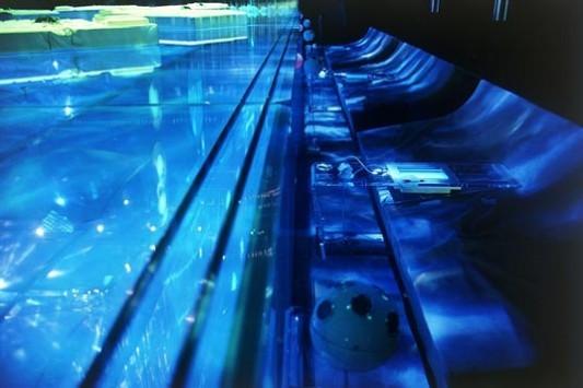 Glaspool Cyberhelvetia in Biel/CH   Glas   Sonderbauten ...