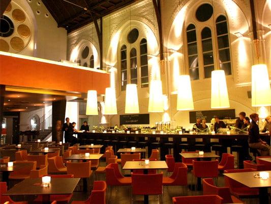 restaurant in der martini kirche in bielefeld geb udetechnik freizeit sport baunetz wissen. Black Bedroom Furniture Sets. Home Design Ideas