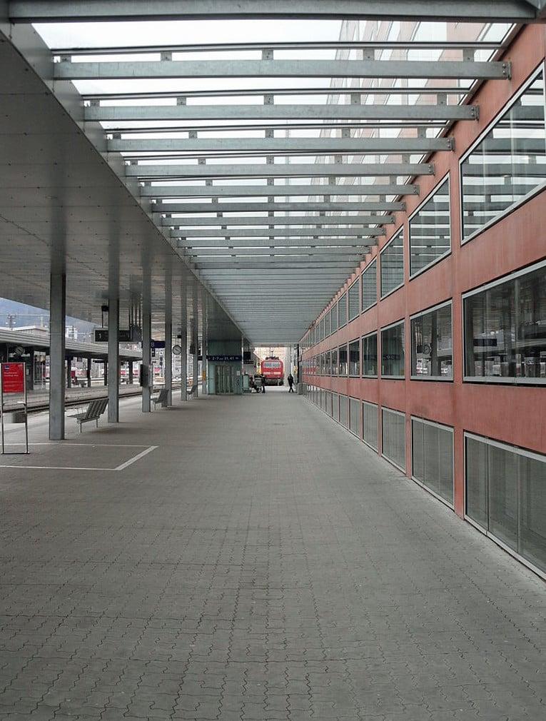 Hauptbahnhof Innsbruck | Gerüste und Schalungen | Verkehr ...