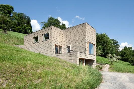 Wohnhaus aus lehm in schlins nachhaltig bauen wohnen for Wohnhaus bauen