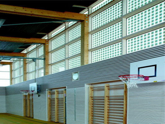 turnhalle burgweinting in regensburg sonnenschutz. Black Bedroom Furniture Sets. Home Design Ideas