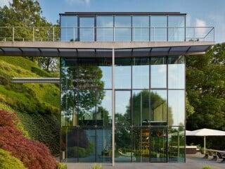 Für sich und seine Familie plante Werner Sobek das Wohnhaus R128 am Rande des Talkessels von Stuttgart.