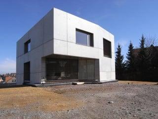 Wohnhaus aus Sichtbeton in Cainsdorf bei Zwickau