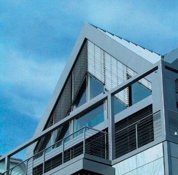 Schr graffstore sonnenschutz raffstore baunetz wissen - Sonnenschutz giebelfenster ...