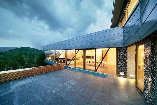 Wohnhaus in graz a bad und sanit r wohnen baunetz wissen for Glasfliesen bad