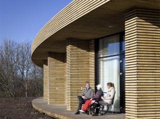 15 Bewohner leben in dem Hospiz. Alle haben eine eigene Terrasse mit barrierefreiem Zugang