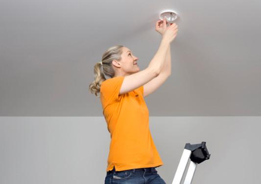einbaupflichten von rauchmeldern sicherheitstechnik brandmeldeanlagen baunetz wissen. Black Bedroom Furniture Sets. Home Design Ideas