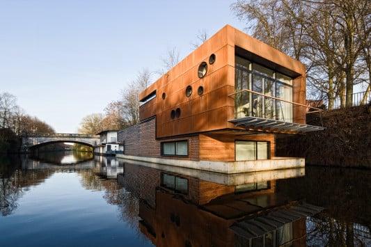 hausboot freischwimmer in hamburg heizung wohnen. Black Bedroom Furniture Sets. Home Design Ideas