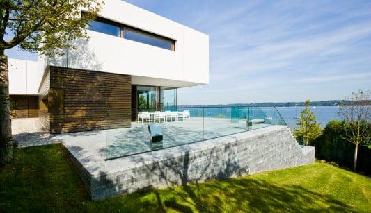 der freie ausblick aufs wasser zeichnet das haus am ammersee aus bild fuchs wacker - Architektur Wohnhaus Fuchs Und Wacker