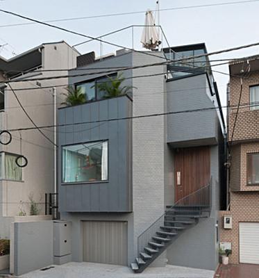umbau eines wohnhauses in tokio j sonnenschutz wohnen. Black Bedroom Furniture Sets. Home Design Ideas