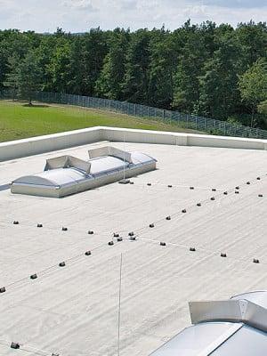 arten und eigenschaften von kunststoffbahnen flachdach. Black Bedroom Furniture Sets. Home Design Ideas