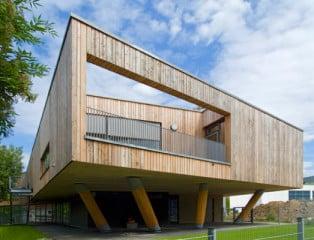 Die Architekten haben sich von den umgebenden Bäumen inspirieren lassen
