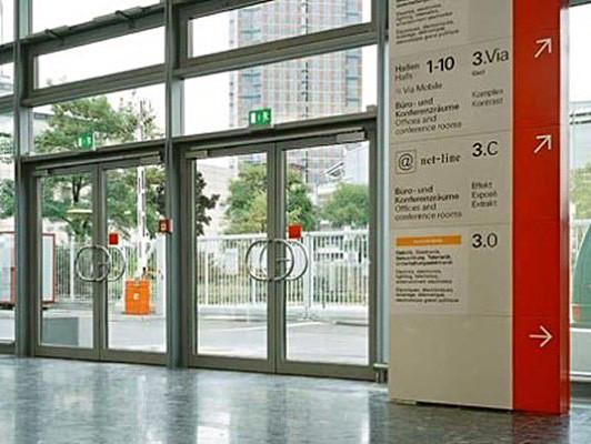Aussentüren  Außentüren | Beschläge | Glossar | Baunetz_Wissen