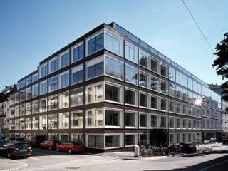 Geschäftshaus Holbeinstraße in Zürich/CH