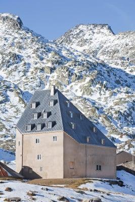St Gotthard Hospiz hotel st gotthard hospiz in der schweiz geneigtes dach sport