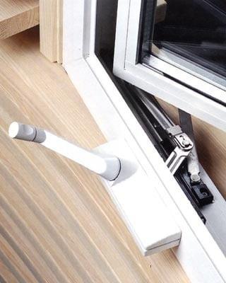 amerikanische fenster beschl ge glossar baunetz wissen. Black Bedroom Furniture Sets. Home Design Ideas